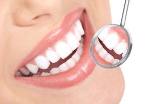 Una programmazione ottimale ci consente di non dimettere mai il paziente senza i denti in bocca, fissi (nei casi ovviamente di trattamenti che prevedano l'utilizzo di impianti).